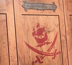 Black-Pirate-Large-Wardrobe6
