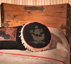 Black-Pirate-M-Bed4