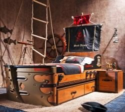 Black-Pirate-S-Ship-Bed2
