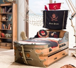 Black-Pirate-S-Ship-Bed5