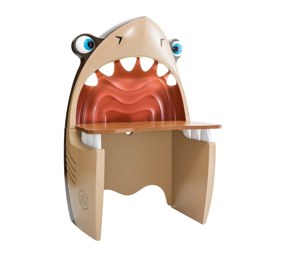 Black-Pirate-Shark-Study-Desk1