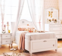 Romantic-Bed-With-Base2