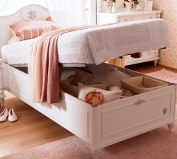 Romantic-Bed-With-Base3