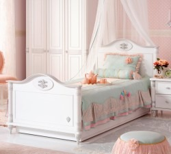 Romantic-L-Bed2
