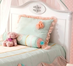 Romantic-L-Bed3