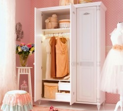 Romantic-Large-Wardrobe3