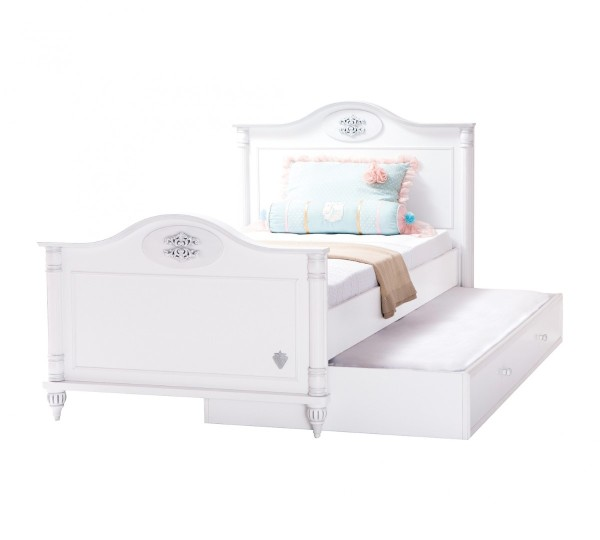 Romantic-Pull-out-Bed1