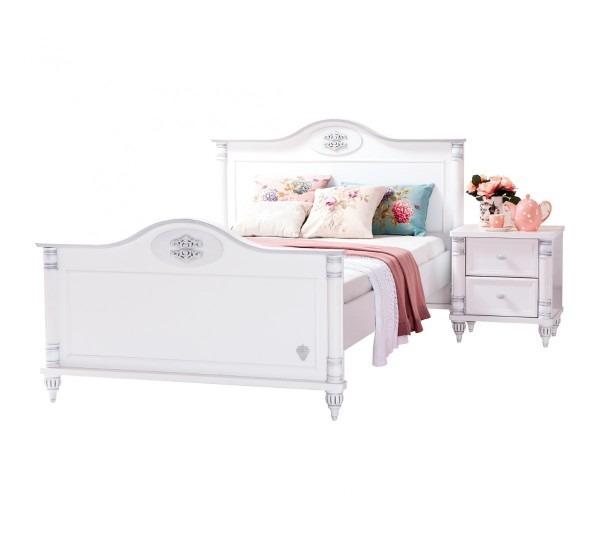 Romantic-Xl-Bed1
