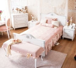 Romantic-Xl-Bed2