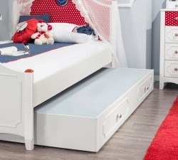 Strawberry-Pull-out-Bed2